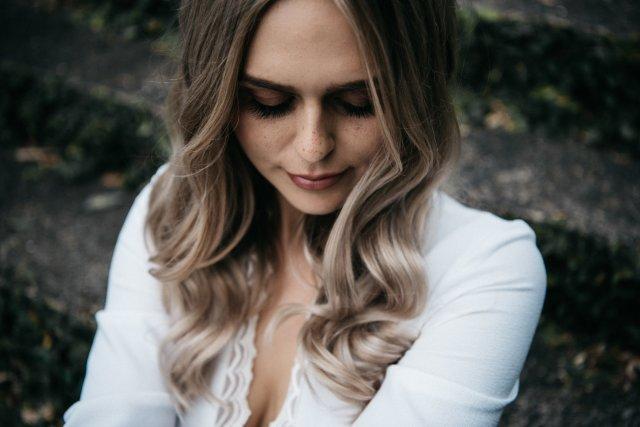 elizabeth crossley | makeup artist | hairstylist
